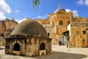 destinasi di yerusalem-gereja makam kudus