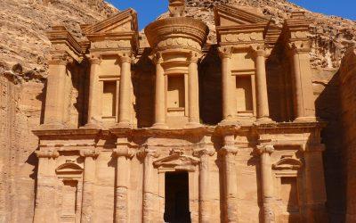 "Sejarah Kota Petra, ""The Lose City"" yang Menawan"